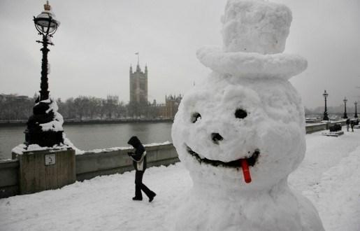 Vrouw belt politie voor gestolen sneeuwman