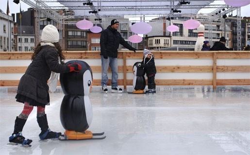 Al 2.000 schaatsers op Grote Markt