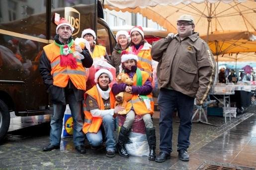 Pakjesdienst zamelt kerstcadeaus in voor kansarmen