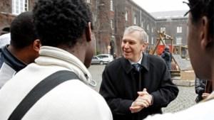 Yves Leterme op bezoek bij asielzoekers