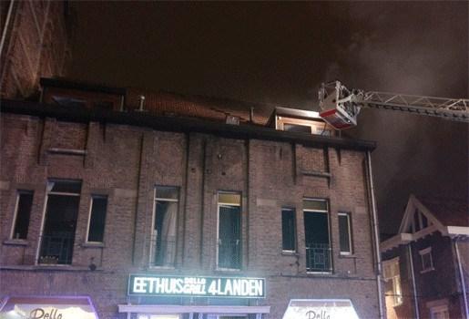 Twee poezen overleven brand in appartementsgebouw niet