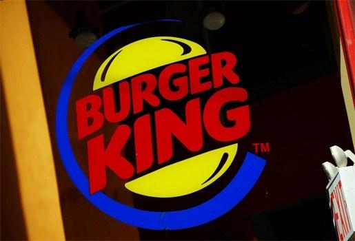 """Naakte man in Burger King: """"Wil je mijn whopper eens vasthouden?"""""""