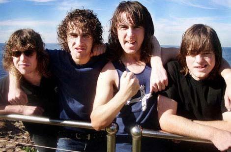 Airbourne en Suicidal Tendencies op Pukkelpop 2011