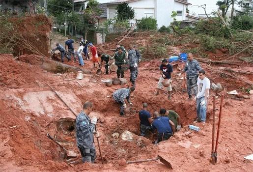 Modderstromen in Brazilië eisen al ruim 500 doden