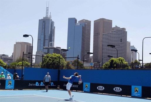 Henin tegen qualifier, Clijsters treft Safina