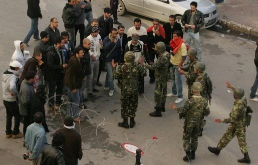 Geen reizen meer naar Tunesië - Belgen nog niet gerepatrieerd