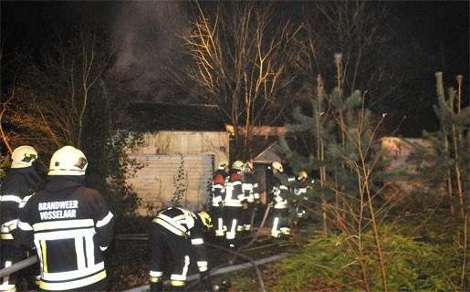 Brand vernielt leegstaand huis