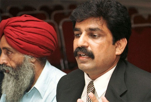 Pakistaans minister sterft in kogelregen