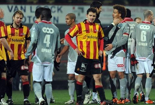 Standard schakelt KV Mechelen uit met een 1-4 zege