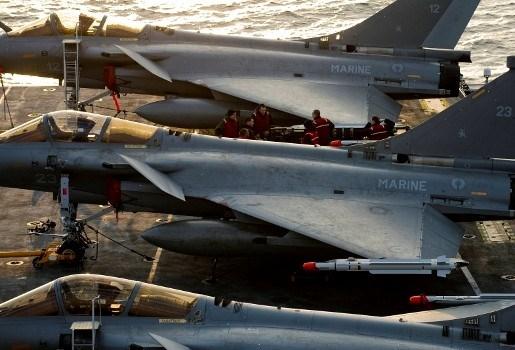 Libisch vliegtuig neergehaald door Fransen