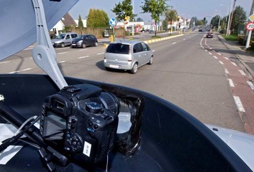 """Te hard rijden is sociaal aanvaard: """"Regels zijn in België  niet te respecteren"""""""
