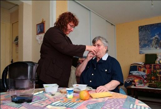 Steeds meer geweld op inwonende opa's en oma's
