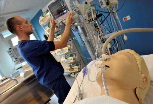 120.000 verplegers gezocht tegen 2014