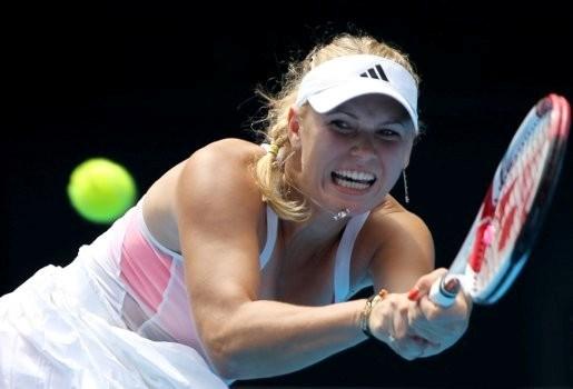 Wozniacki verliest, maar blijft nummer 1
