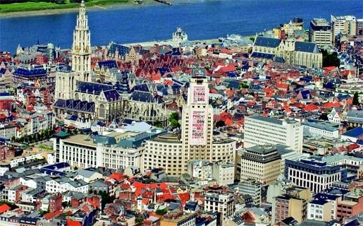 Europese lof voor Centraal Station en Antwerpse kerken