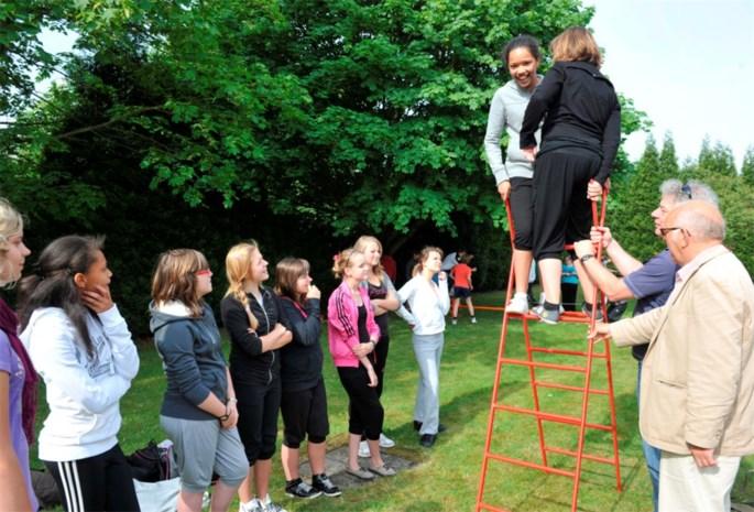 Middenschool leidt circusartiesten op