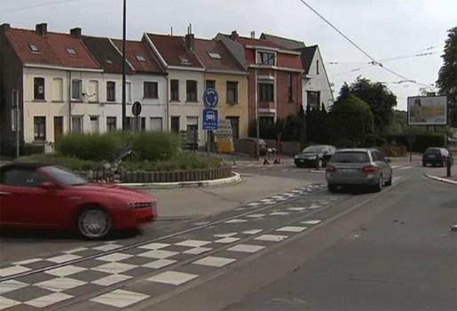 70 procent bestuurders gebruikt geen richtingaanwijzer op rotonde