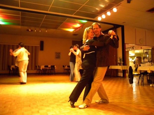 Allerlaatste tangoles in dansschool Hendrickx
