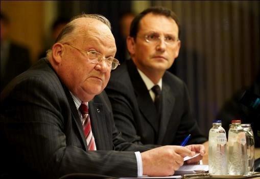 Topman Dexia moet bonus uitleggen aan Vlaamse regering