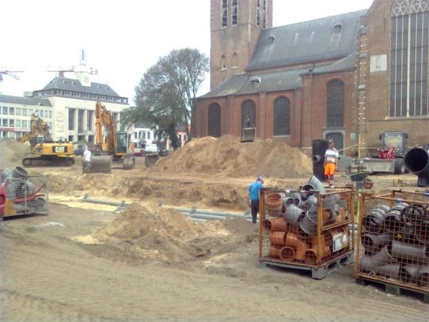 Werken Grote Markt: aanleg fontein gestart