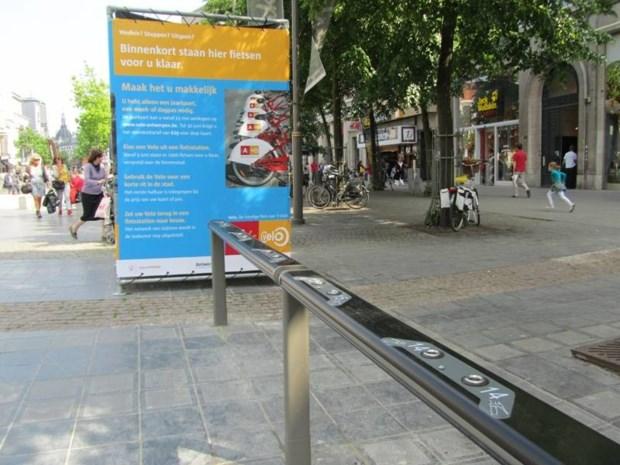 Fietsenstalling publieke fietsen 'Velo' staat al klaar
