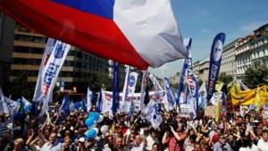 Tsjechen massaal op straat tegen geplande hervormingen