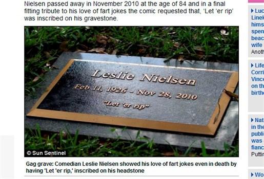 Leslie Nielsen koos voor scheetgrap op grafsteen