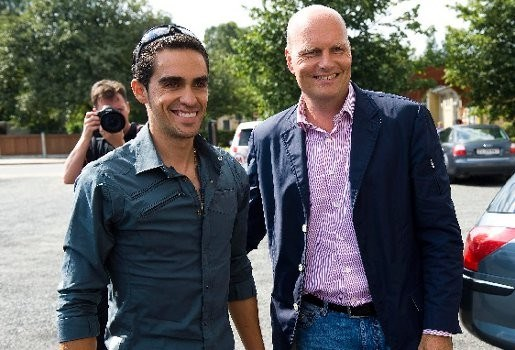 Contador moet met lichten rijden van Franse politieman