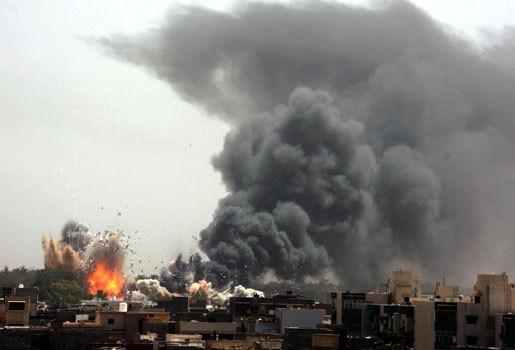 """Tripoli erkent """"direct contact"""" met de rebellen"""