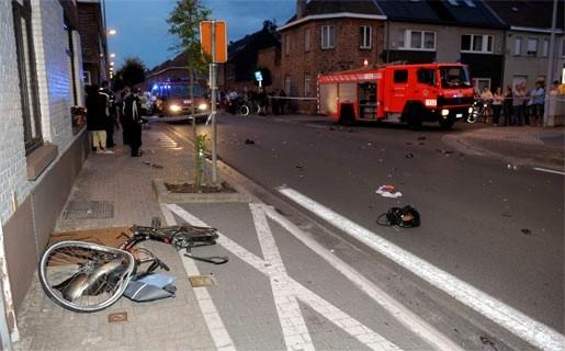 Motorrijder met levenslang rijverbod rijdt fietser aan: twee doden
