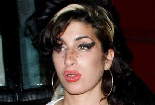 Familie en fans rouwen om verlies Amy Winehouse