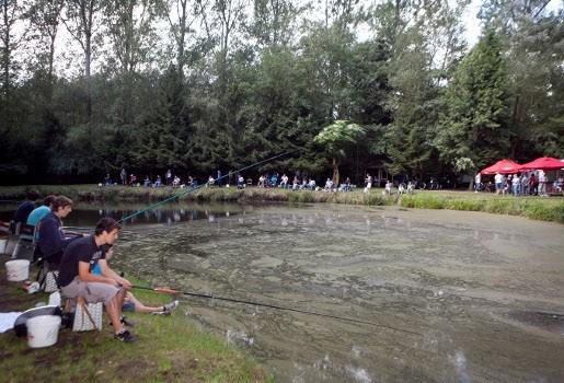 Visprijskamp pulderbos lokt bijna vijftig vissers