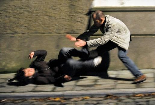 Man overvallen tijdens wandeling in het park met zijn honden