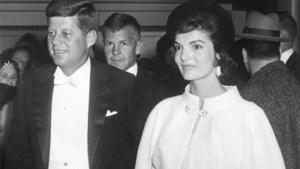 JFK stak stokje voor