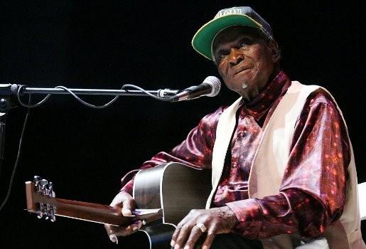 Bluesmuzikant David 'Honeyboy' Edwards overleden