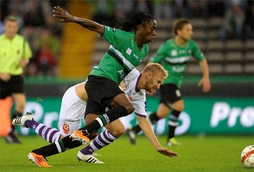 Cercle voorlopig leider na 2-1 winst tegen Beerschot