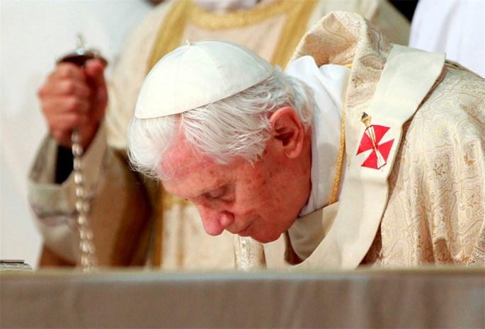 Misbruikslachtoffers dienen klacht in tegen paus en kardinalen bij Internationaal Strafhof