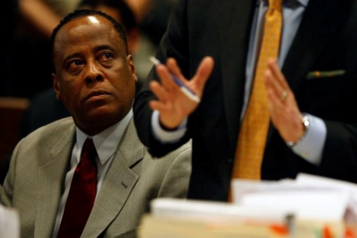 Juryleden aangeduid in proces tegen arts Michael Jackson