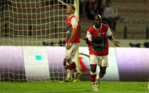 Antwerp blijft steken op scoreloos gelijkspel tegen Dender