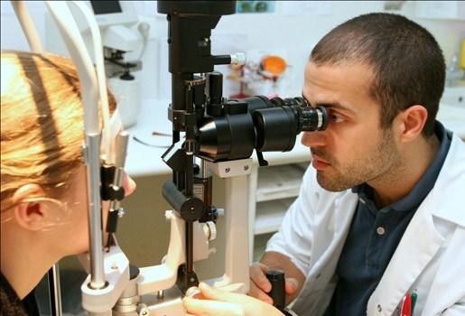 Aspirine vergroot kans op oogaandoening