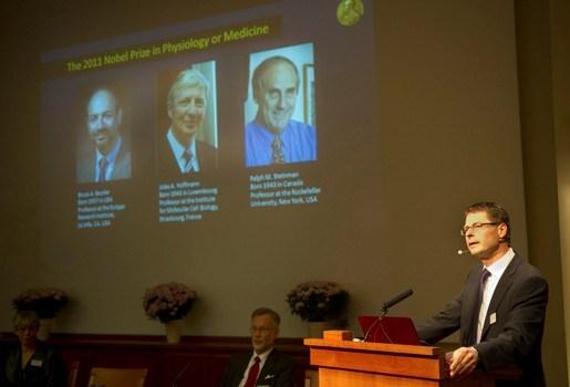 Overleden Nobelprijswinnaar Geneeskunde mag prijs houden