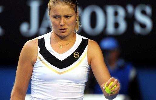 Dinara Safina hangt tennisracket aan de haak