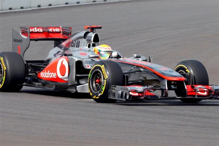 Lewis Hamilton pakt eerste pole van het seizoen