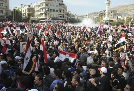 Alweer 22 betogers dood in Syrië: Europa en Arabische Liga willen nieuwe sancties
