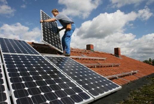 Fiscale voordelen zonnepanelen en dubbel glas verdwijnen