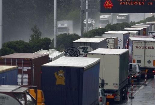 """VAB: """"Filekost Antwerpse ring kan jaarlijks met 13 miljoen euro naar beneden"""""""