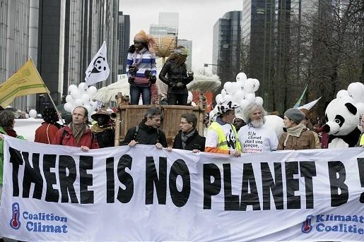 Duizenden betogers op straat voor klimaatakkoord