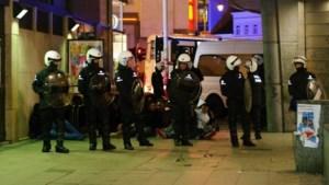 Politiecommissariaat Matongewijk bekogeld met molotovcocktails