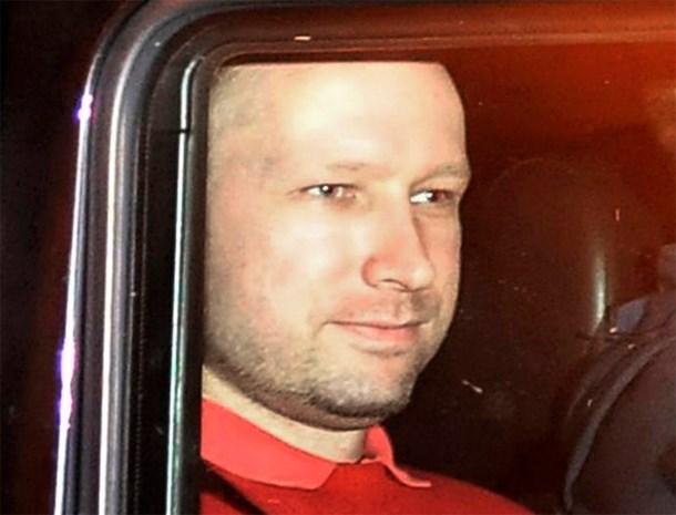 Anders Behring Breivik mag krant lezen
