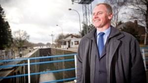 Marino Keulen legt eed af als burgemeester van Lanaken